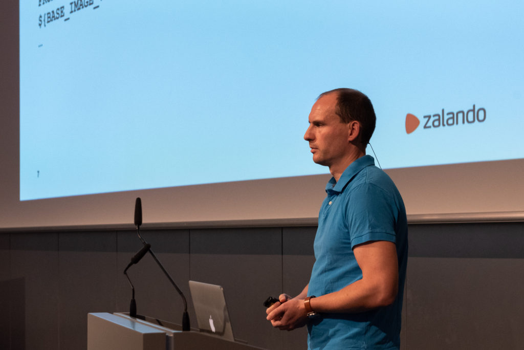 Continuous Delivery to Kubernetes DEPLOYMENT INTERFACES, Mannheim November 2018